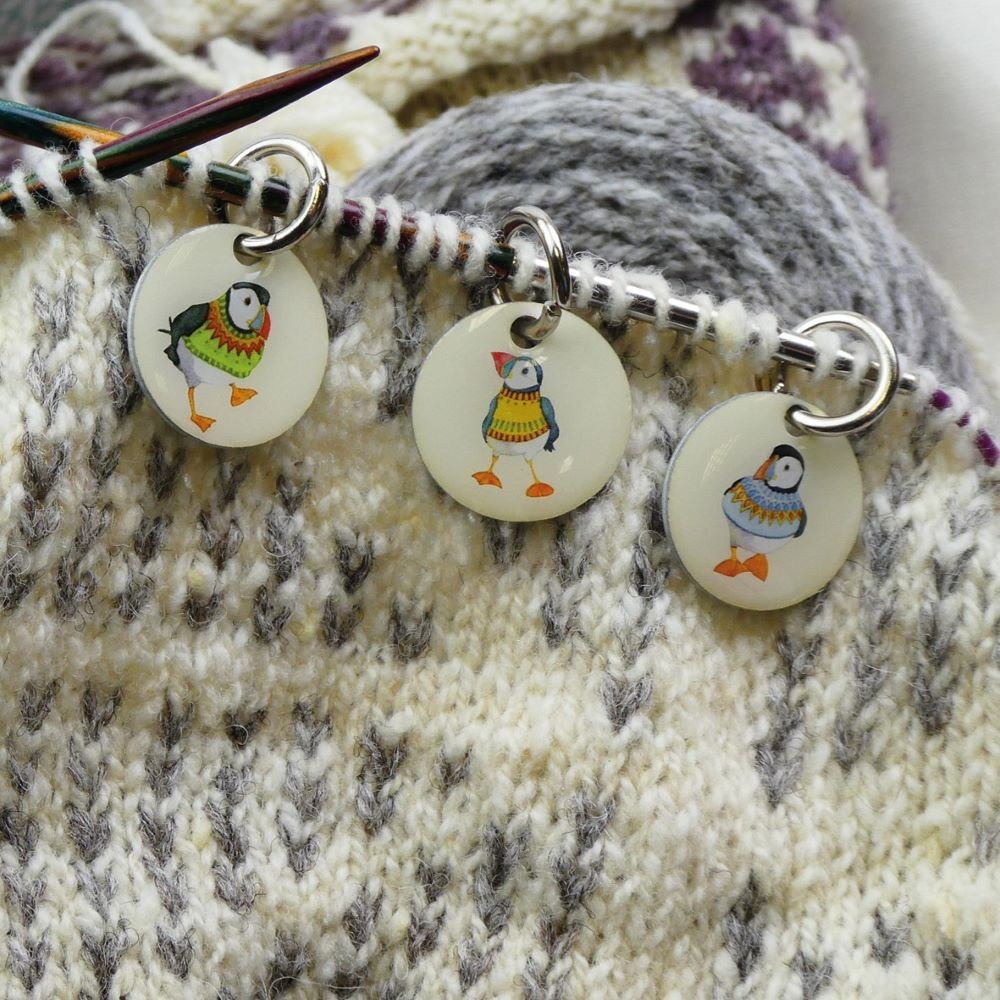 KN05 Stitch Markers Woolly Puffins test 1