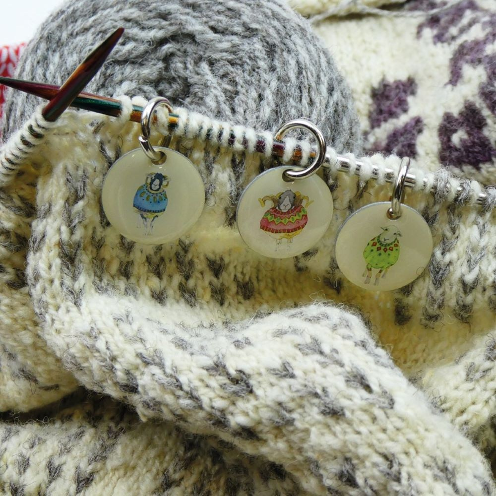 KN06 Stitch Markers Sheep in Sweaters test